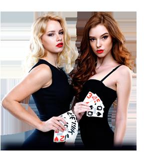 Frauen spielen Karten in einem Casino